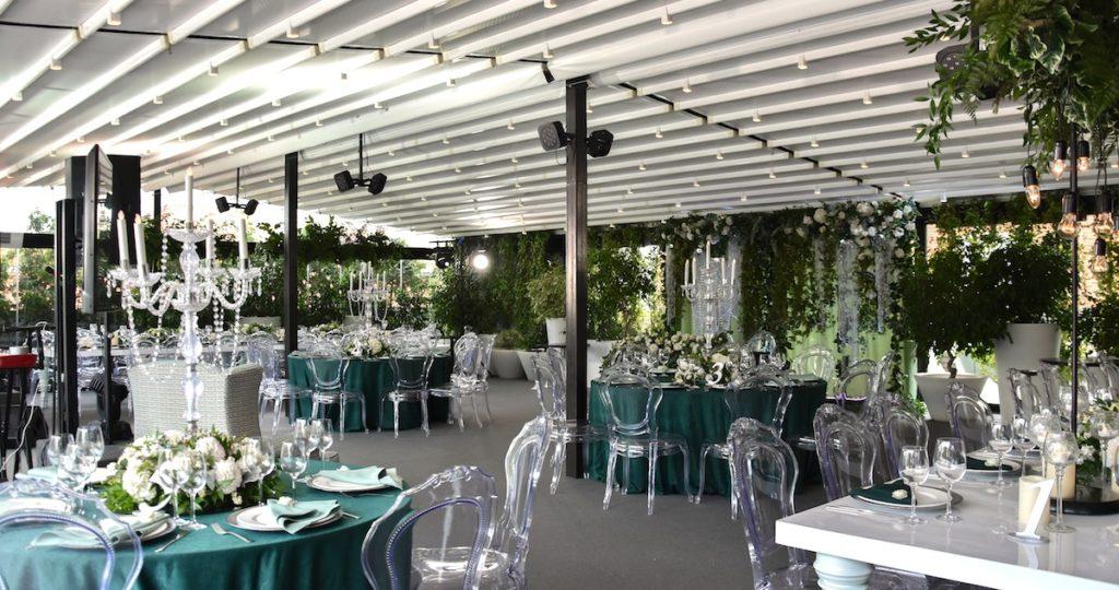 Ресторан с летней верандой для свадьбы
