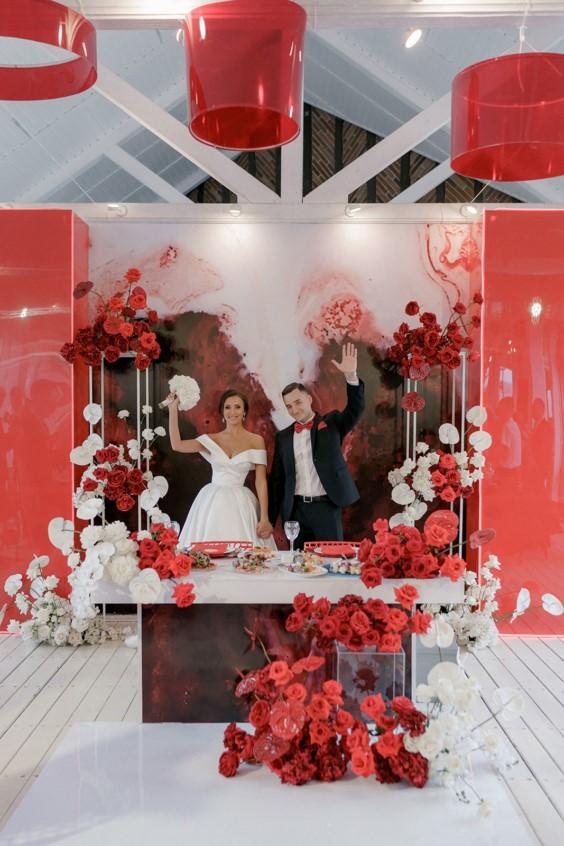 оформление стола молодоженов на свадьбу